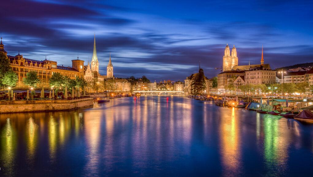 Zurich Zürich Nacht Night Quaibrücke Bellevue Limmat HDR