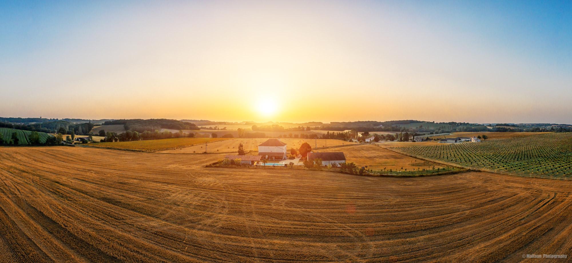 Drohnen-Panorama von der Domaine les Courteaux mit der Mavic Pro 2 © Mallaun Photography