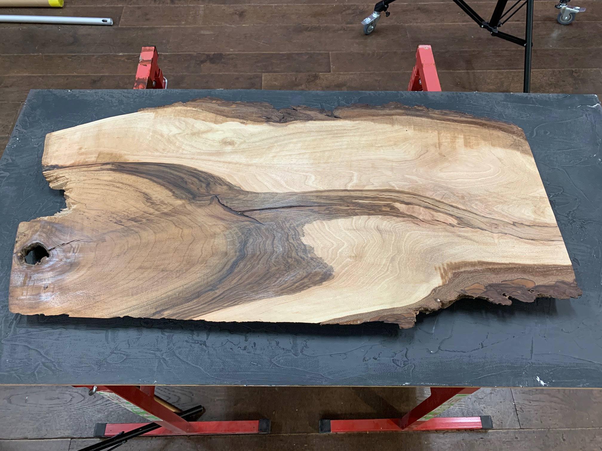 Wunderschönes Nussbaum-Woodboard von der Schreinerei Bruno Wittwer in Obfelden